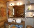 Wnętrza domów z bali - Łazienki